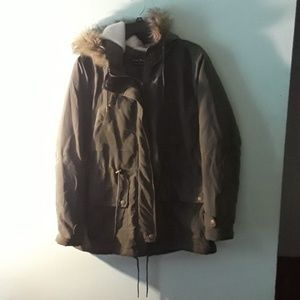 Army green winter coat size XL